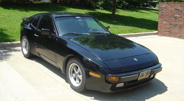 Porsche 944 Image